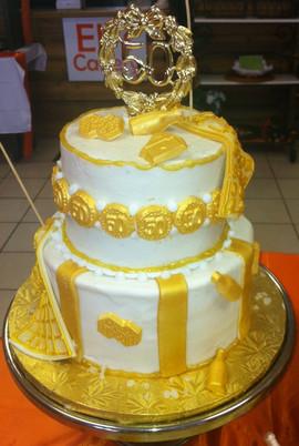 Royal_Cake_gold_white_50.JPG