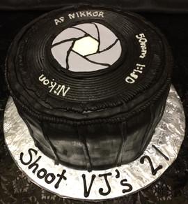 Men_Cake_camera_shutter_lens.JPG