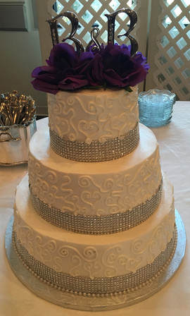 Wedding_Cake_white_silver_bling_filigree