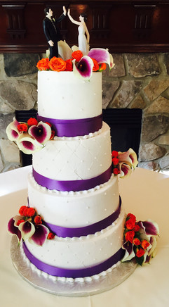 Wedding_Cake_high_five_purple_white_flow