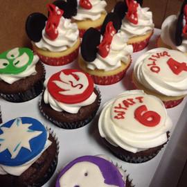 Cupcakes_boy_girl.jpg