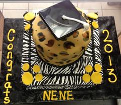 Graduation_cake_leopard_zebra.JPG