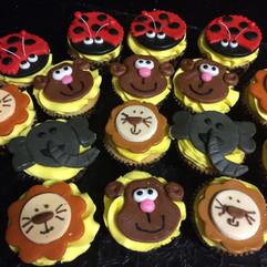 Cupcakes_noahs_ark_animals.JPG