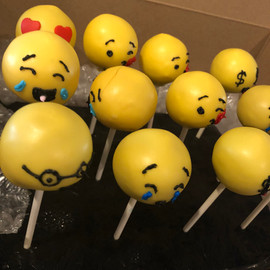 Cake_Pops_emoji.jpg