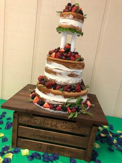 Wedding_Cake_naked_strawberries_berries_