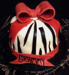 Woman_Birthday_Cake_zebra_stripes_red_bo