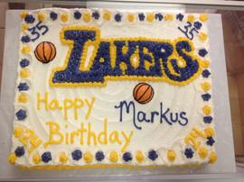 Sports_Cakes_basketball_lakers.JPG