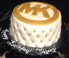 Woman_Birthday_Cake_Michael_Kors_gold_wh