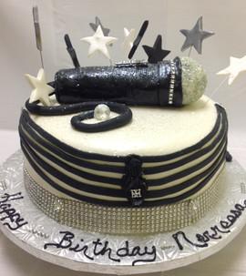Birthday_Cake_music_microphone_2.JPG
