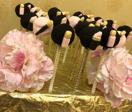 Cake_Pops_Chanel_makeup.jpg