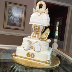 Accessories_Cake_gold_white_purse_bow_be