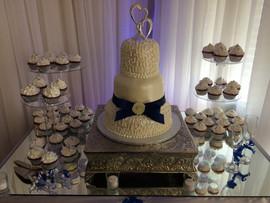 Wedding_Cake_blue_white_filigree_topper_