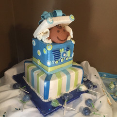 Babyshower_Cake_popping_out_blue_green.j