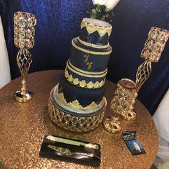 Royal_Cake_blue_gold.jpg
