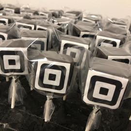 Cake_Pops_black_square.jpg