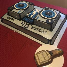 Cake_boombox_hennessy_bottle.jpg