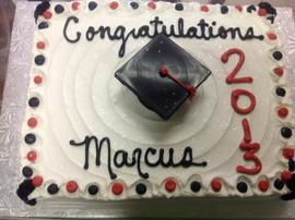 Graduation_cake_red_black_white_2.JPG