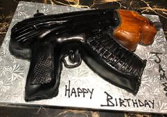 Men_Cake_gun.jpg