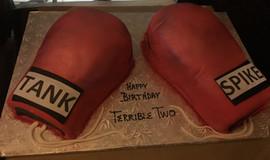 Sports_Cake_boxing_gloves.jpg