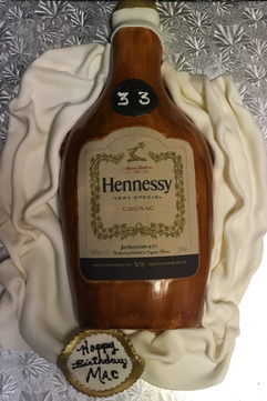 Alcohol_Cake_Hennessy_bottle.PNG
