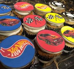 Cupcakes_hotwheels.jpg