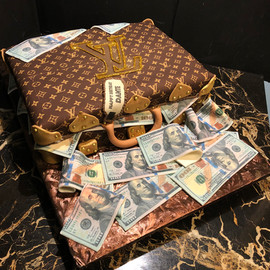 Cake_louis_vuitton_luggage_money.jpg