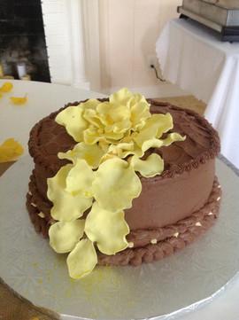 Grooms_Wedding_Cake_chocolate_yellow.JPG