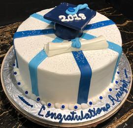 Graduation_Cake_blue_white_2018.jpg