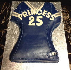 Sports_Cake_jersey_blue_white_silver_cow