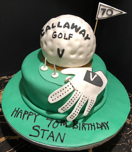 Sports_Cake_golf_ball_flag_glove.jpg