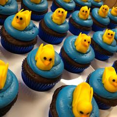 Cupcakes_babyshower_duckies.jpg