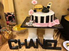 Accessories_Cake_Chanel2.jpg