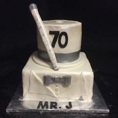 Men_Cake_white_tuxedo.jpg