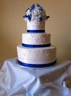Wedding_Cake_blue_white_topper_dots.JPG