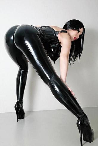 Fetish and BDSM Escort Mistress Violetta