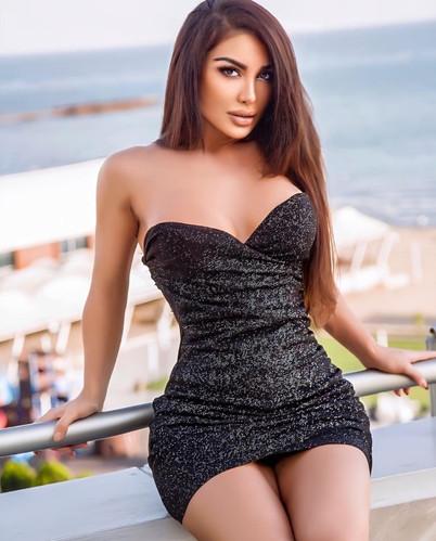 Brunette Escort Girl Leyla