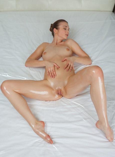 Young Escort Carlina