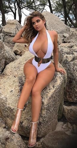 Vip Escort Model Melanie