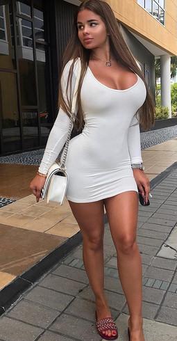 Mega Busty Escort Girl Melanie