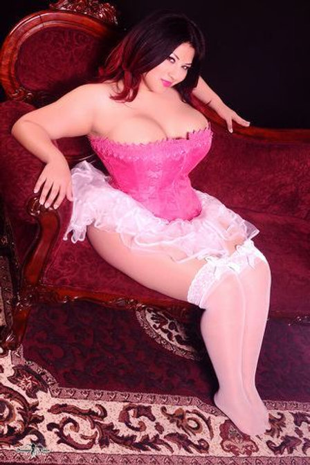 Arabic Escort Lady Amira