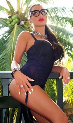 Bayan Escort Partner Vella