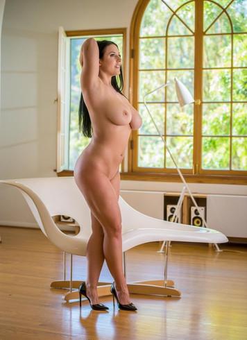 Pornstar Escort Angela White