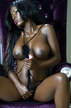 Ebony Escort Taban