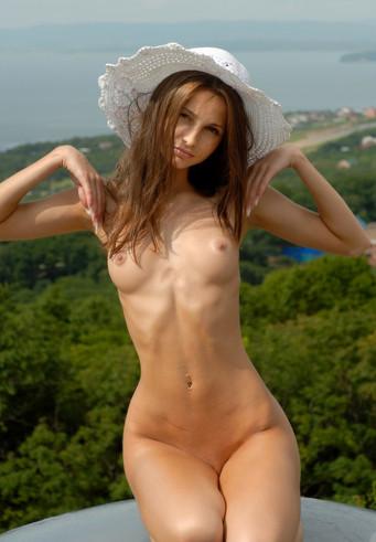 Slim Escort Anya