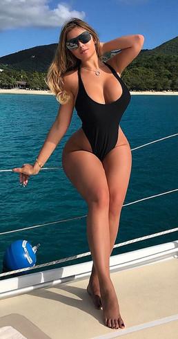 Curvy Escort Melanie