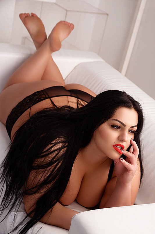 A-Level Escort Girl Paula Celli