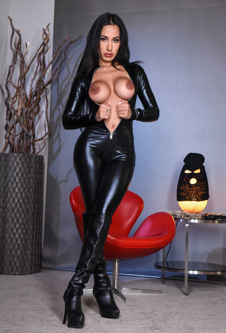 Dominatrix Mistress Zara
