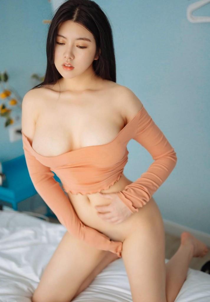 Asian Escort Girl Apple
