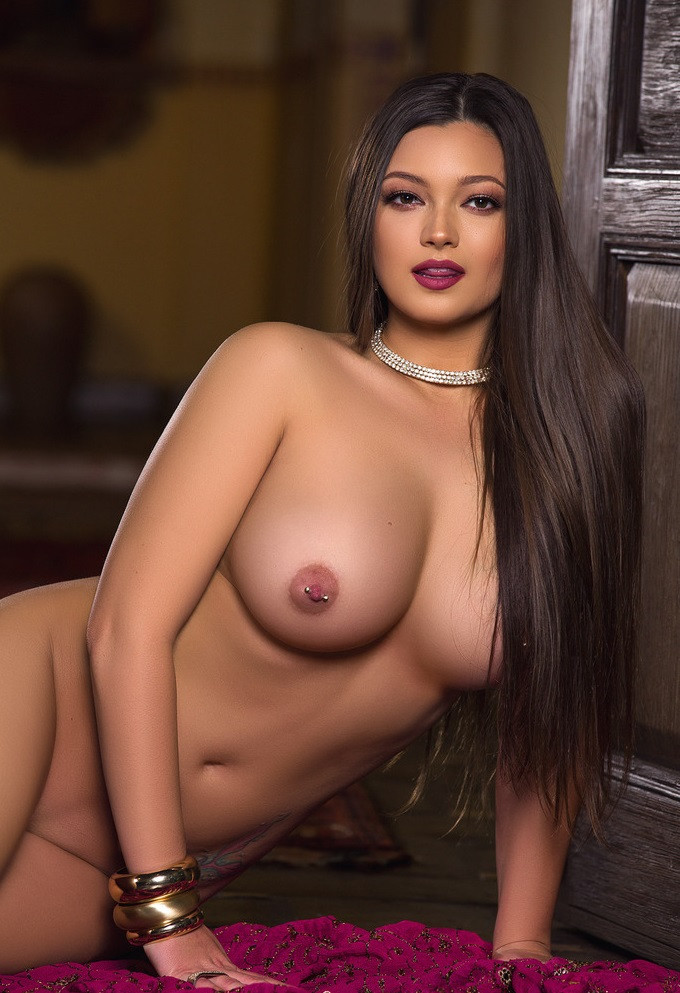 Busty Escort Lady Chelsie