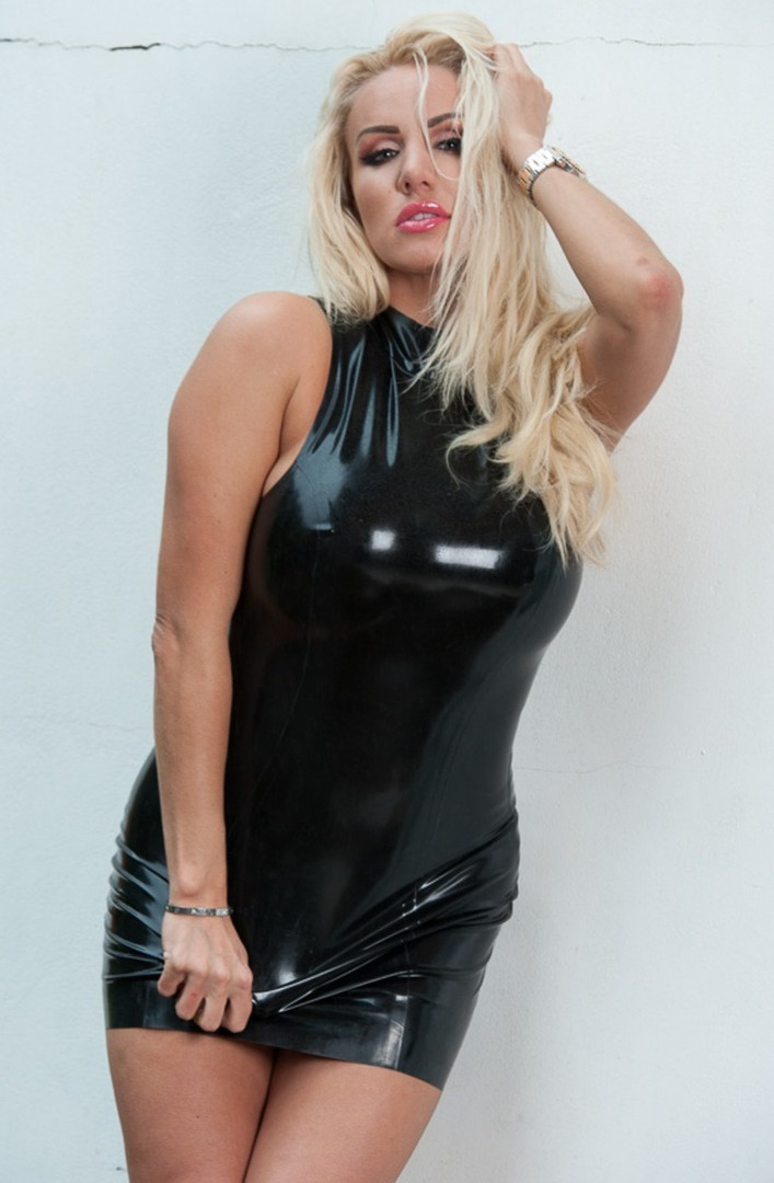 Fetish and BDSM Escort Mistress Elina